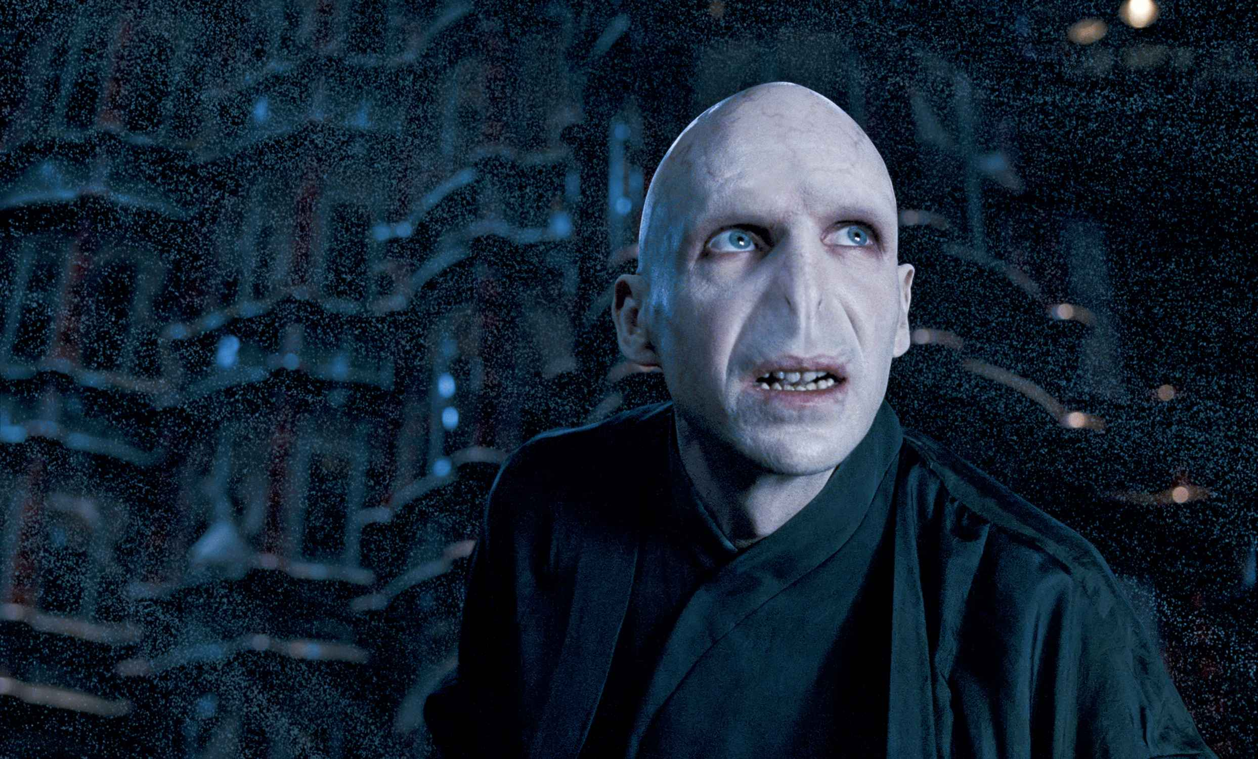 Ralph Fiennes - Lord Voldemort - Asso_2nd/Shirkan's ...